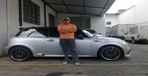 Gatobcm 43 years old I am from Quito/Pichincha, Seeking Dating Friendship with Woman